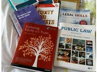 Set of law student book. The essential set of law study books from uni.Only used for few weeks pu m6