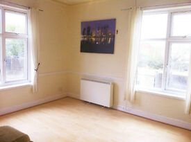 LARGE MODERNISED 1 BED FLAT - LE2 - PART FURNISHED - £495 PCM