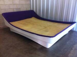 FUNKY VINTAGE QUEEN SIZE BED RETRO Oakden Port Adelaide Area Preview