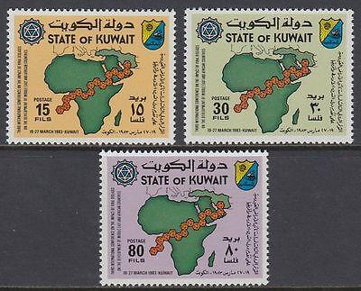 Kuwait 1983 ** Mi.999/01 Afrika Africa Vorderasien Middle East Landkarte Map