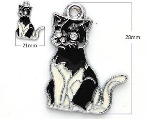 # 029 - Breloque en forme de chat fabriqué d'alliance d'émail .