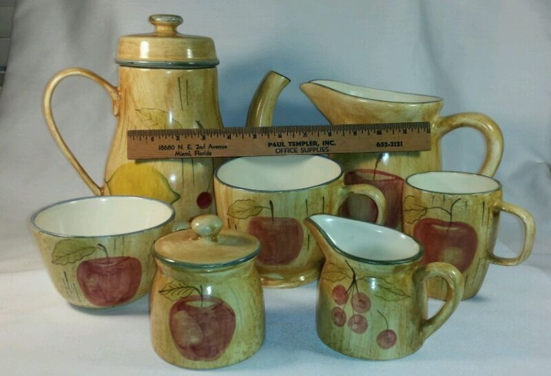 Laurie Gates Hand Painted Pottery Los Angeles - Lot 9 Pieces