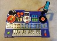 Vtech musical keyboard w/ portable recording player