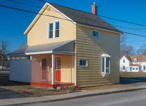 Affordable home for sale in Almonte - Move-in Ready!