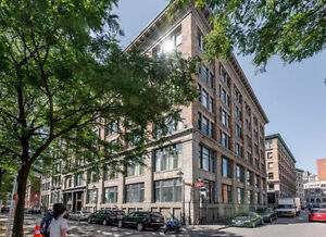 High quality commercial/office condos on St-Paul West
