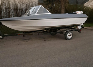 1978 johnson 55hp and 15 ft boat with trailer