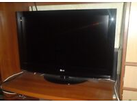"32"" LG LCD TV CAN DELIVER"