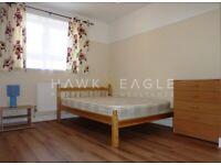 ### Decent 5 Bed Flat + Living Room - Aldgate/Shadwell DLR - PART DSS