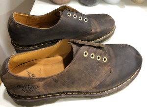 New Dr Martens Low Tan Size 12
