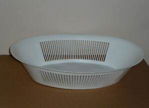 """17"""" Very Large Oval White Basket or Bowl or Strainer .. Ex Cond"""