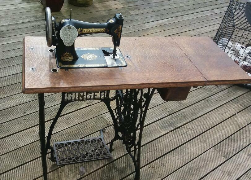 40 Antique Foot Treadle Singer Sewing Machine In Swindon Mesmerizing 1902 Singer Treadle Sewing Machine