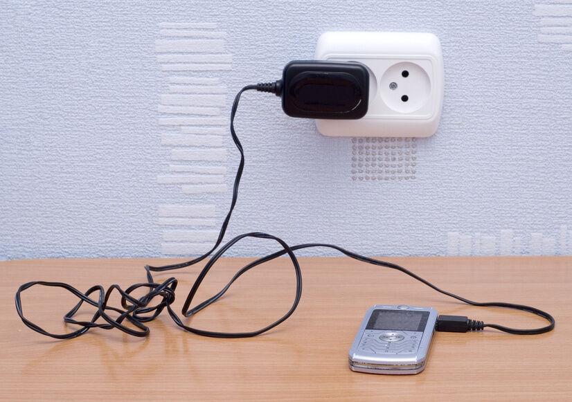 Handy-Ladekabel lieber original vom Hersteller oder universal?