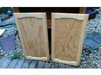 Pine doors with hinges