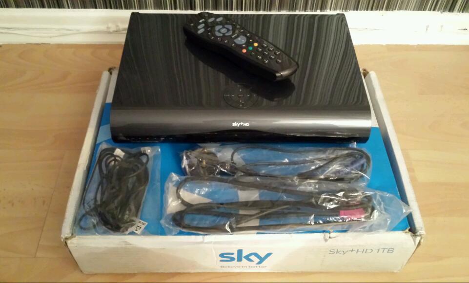 Sky 1tb hd Box Black Like New