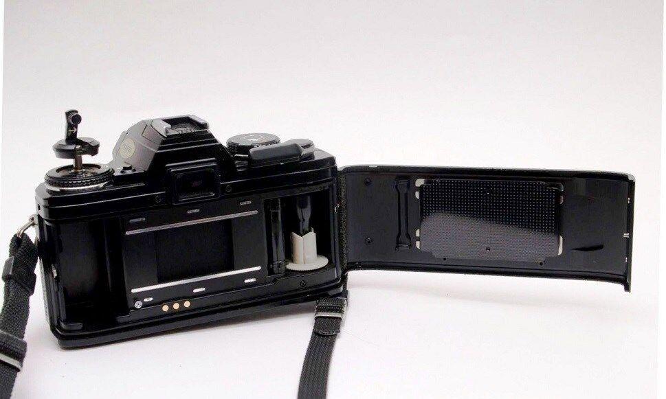 Minolta X-700 Classic Film Camera Near Mint with MD 50mm F/1.4 Lens Excellent!