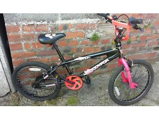 Girls muddy Fox bike