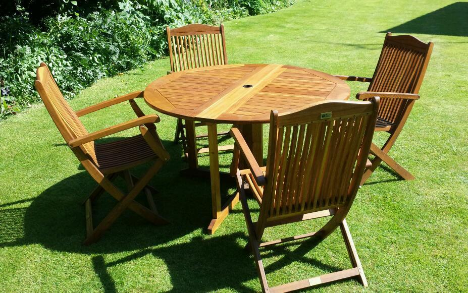 Firman leisure garden table and chairs teak hardwood in for Outdoor furniture gumtree