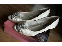 Ivory Wedding Shoes Size 7 Brand New with box