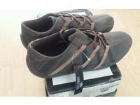 Mens oaktrak shoes size 8