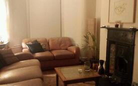 Single room in lovely house close to Allerton Road