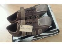 Oaktrak mens shoe's size 9