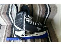 Baur ice skates