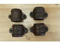 Cast iron drainpipe clips