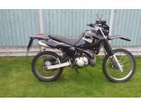 Dt 125 re 2005 black