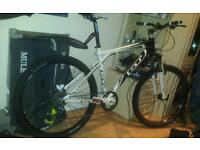 very cheap mens adult gt GT hydraulic suspension mountain bike in perfect working condition,