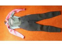 Girls wetsuit size 8