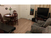 Large Double bed close to BBC Centre, Newcastle.