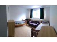 Spacious twin room to rent in Putney