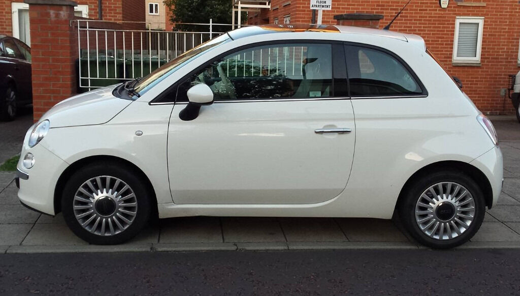 fiat 500 hatchback 1 2 lounge 2012 3dr start stop 1242 cc white manual petrol in gateshead. Black Bedroom Furniture Sets. Home Design Ideas