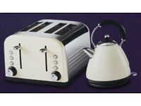 NEW KITCHEN COLLECTION STAINLESS STEEL 4 WIDE SLICE TOASTER & 1.7L KETTLE - CREAM £30