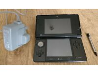 Nintendo 3DS gaming console black, no games, complete with charger and stylus