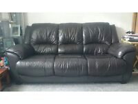 ***NOW SOLD*** LEATHER SUITE (chocolate in colour)