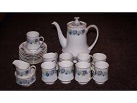 Paragon 'Cheswell' Pattern - 21 Piece Tea Set