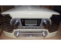 Auna Record player - CD, Radio, USB input. Great condition