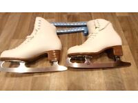 Ladies Figure Ice Skates, UK size 9, White