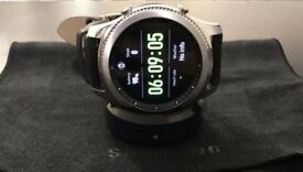 Samsung Gear S3 classic Excellent condition.