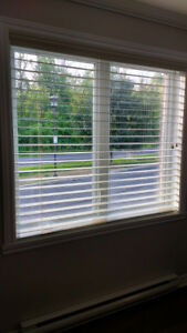 2 Stores Horizontaux Levelor / 2 Horizontal Blinds Levelor