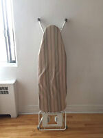 Heavy duty professional ironing board / planche a repasser