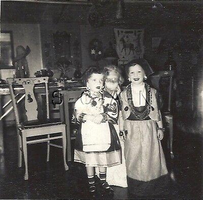 Original Vintage 1940s Halloween Party RP- Comic- Costumes- Gypsy- Girls- - Halloween 1940 Costumes
