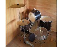 Barely used, full drum kit