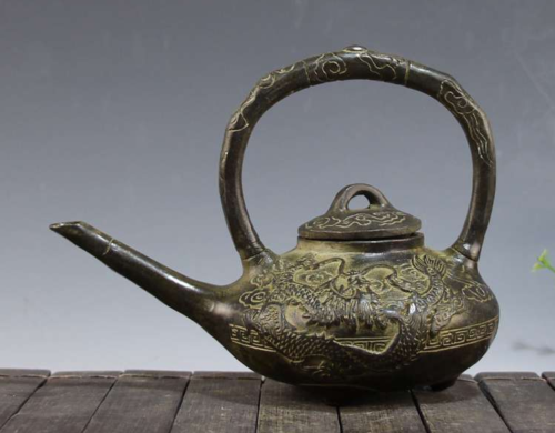 Chinese fengshui old bronze dragon dragon turtle kettle teapot teakettle statue