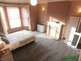 ***Ginormous*** Bohemian Style Double Room • Mature House • Free On Street Parking • Fibre WiFi