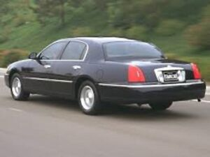 2000 Lincoln Town Car - Signature Series