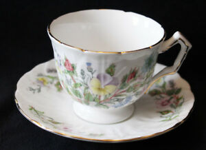 AYNSLEY TEA CUPS & SAUCERS