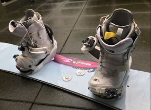 Like New High End Burton Snowboard Set - board+bandings+boots