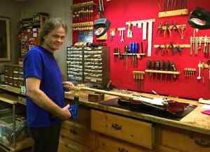 Brian's Stringed Instrument Workshop